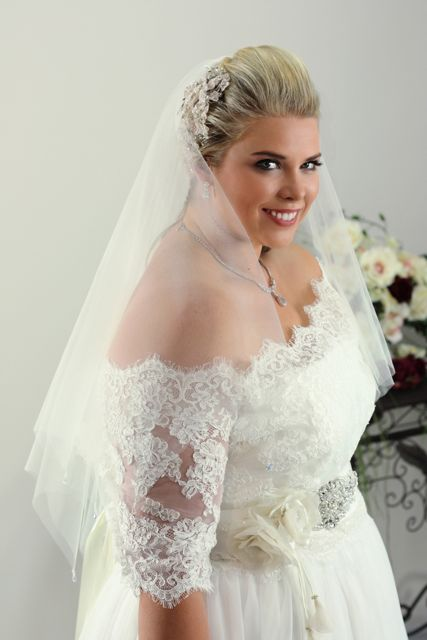 Accessories for long sleeve wedding dresses