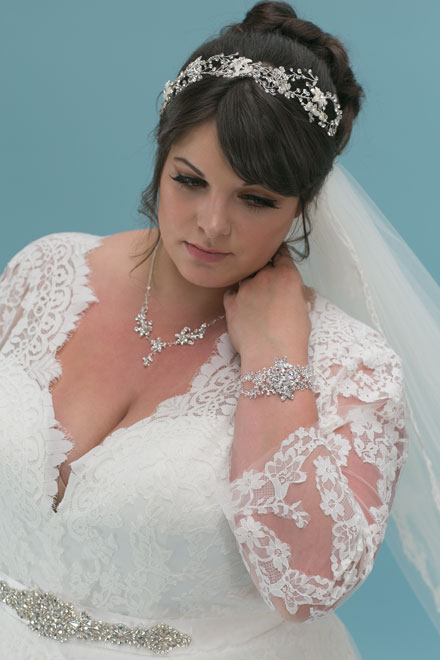 Wedding jewellery with Daphne gown